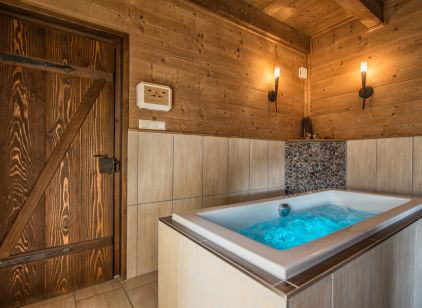 Whirlpool, Chalet